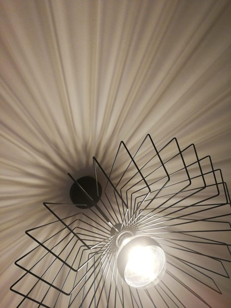 Détails des luminaires filaires
